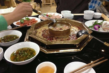 Hot hot Chengdu foodie tour very popular food with guide