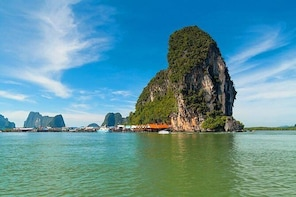 Full Day Join James Bond Island Sea Canoe Tour with Lunch by Long tail Boat