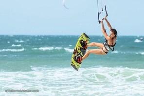 MAAFUSHI: WAVE SURFING, KITE SURFING & WIND SURFING