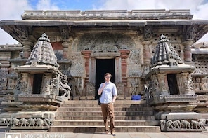 Day trip from Bangalore to Belur & Halebid with guide and by private car