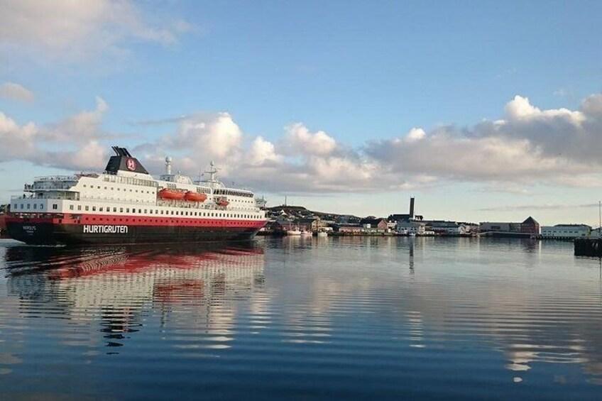 Vardø port with Hurtigruten - photo: Lars Engerengen