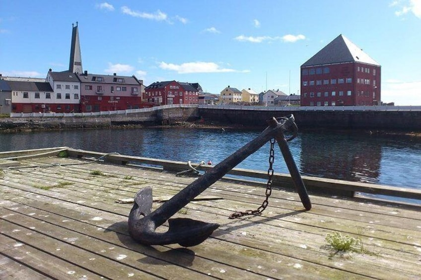 Vardø town hall and church - photo: Lars Engerengen