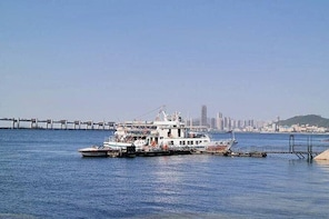 Dalian Sea Boat Tour with Optional Lunch or Dinner
