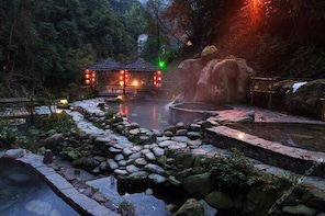 Full day Longsheng Hot Spring private day tour from Guilin or Yangshuo