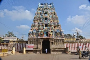 Explore Navagraha Temples Of The Sun, Moon, Venus & Rahu With Lunch