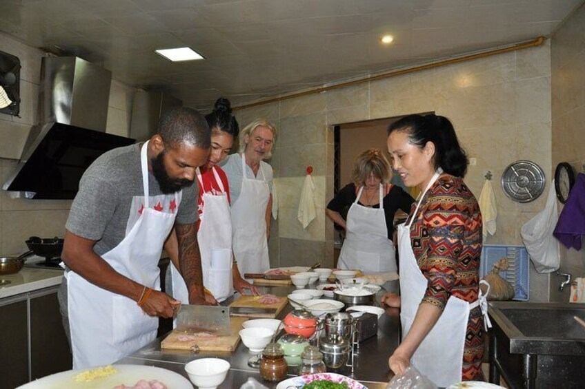 Half-Day Sichuan Cooking Class Experience in Chengdu