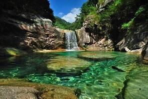 All inclusive Half day private tour of Emerald valley & Huiyun show-No shop...