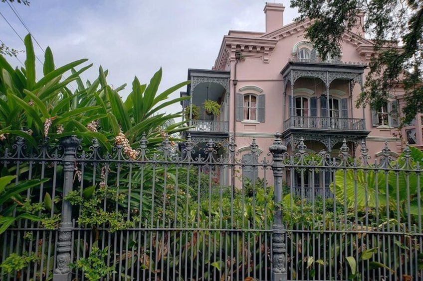 New Orleans Garden District Walking Tour Including Lafayette Cemetery No. 1