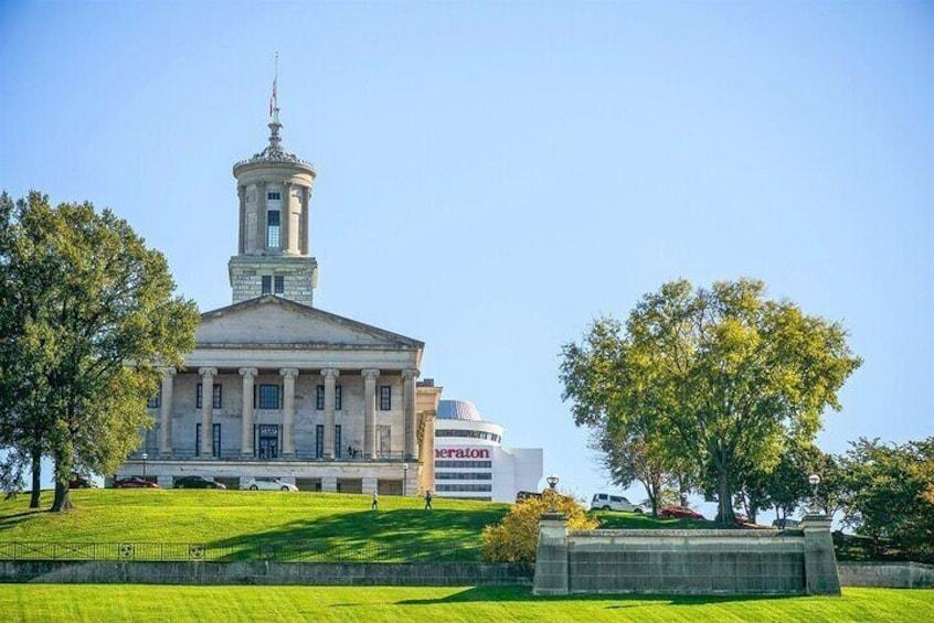 Downtown Nashville Guided Sightseeing Walking Tour