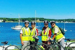 "2-hrs. Islands & Harbour Bike Tour ""Must See"" Sites of Portsmouth..."