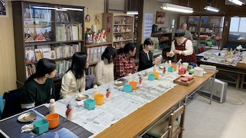 The trial painting lesson of Sadowara dolls