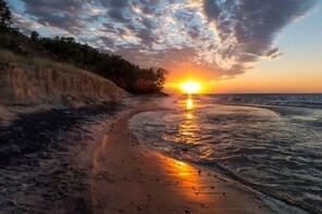 Photo Hike of Indiana Dunes National Park - 2 Hours - Morning