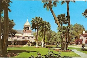 Playground of the Stars Palm Springs Tour