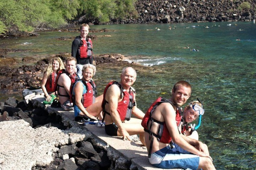 Ready to snorkel at Captain Cook Monument