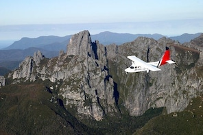 Southwest Tasmania Wilderness Experience: Fly Cruise and Walk Including Lun...