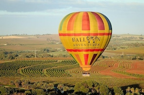 Barossa Valley Hot Air Balloon Ride with Breakfast