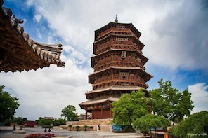 All-Inclusive Private Day Tour to Wooden Pagoda and Hanging Temple from Dat...