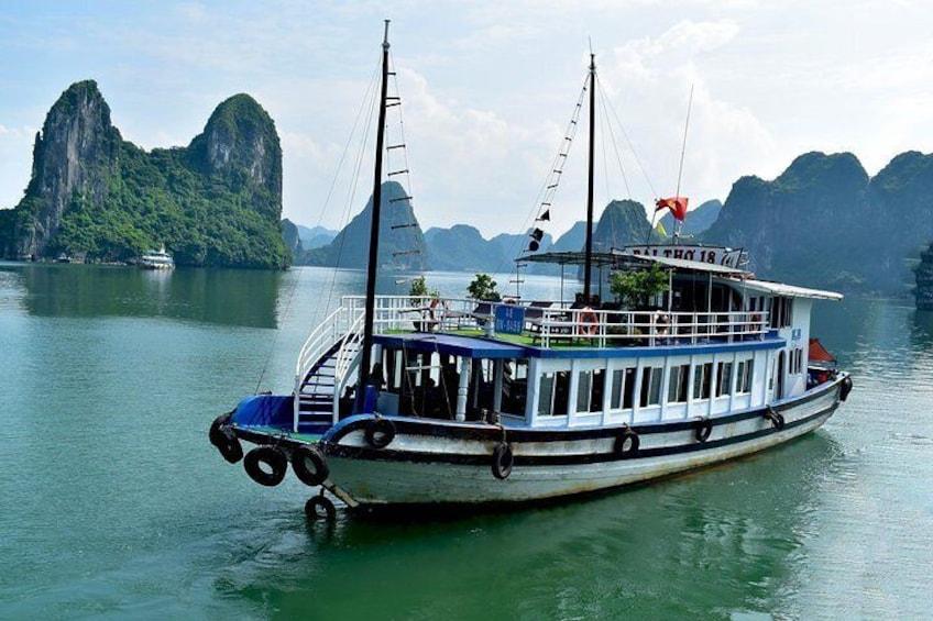 Day boat - Halong bay