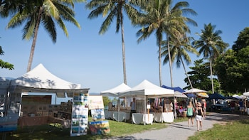 Sunday Market Day Tour (Port Douglas)