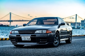Driving Experience with Nissan Skyline GTR32 in Tokyo Route1