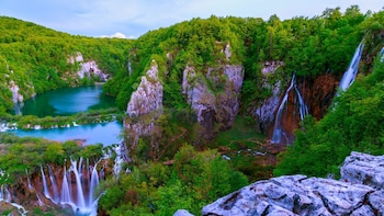 Plitvice Lakes Full-Day Guided Tour from Zagreb by Gray Line
