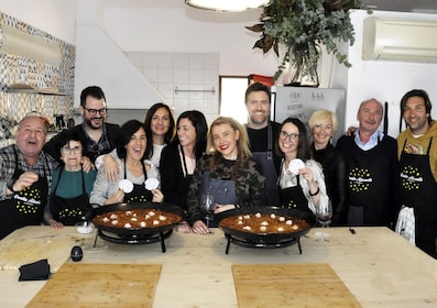 Alicante Paella with market visit and cooking class