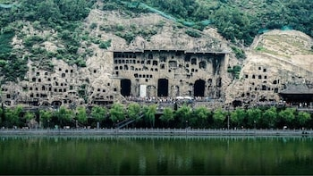 Longmen Grottoes and Shaolin Temple 1-Day Private Tour