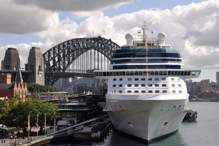 Show item 1 of 3. Airport Shuttle Transfer from Sydney Airport to Circular Quay Cruise Terminal