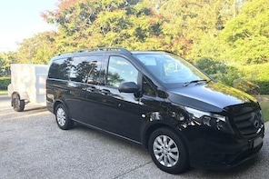 Private Transfer from Noosa to Sunshine Coast Airport- 8seater + Luggage Ca...