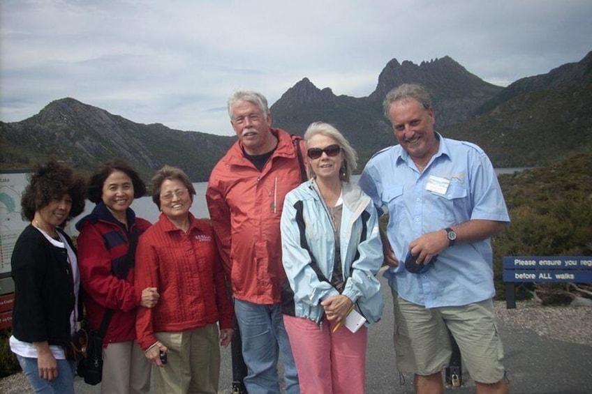 Cruise ship group . Cradle Mountain