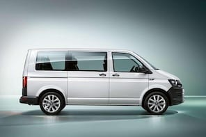 Departure Private Transfer from Osaka City to Itama Airport ITM by Minivan
