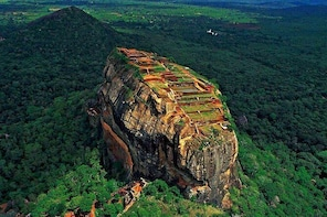 Discover Sigiriya