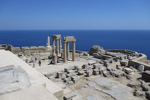 Rhodes old city & Lindos private tour with guide (minimum 8 up to 19 travel...