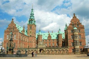 Frederiksborg Slot - Royal Palace and home to Denmark's National History Mu...