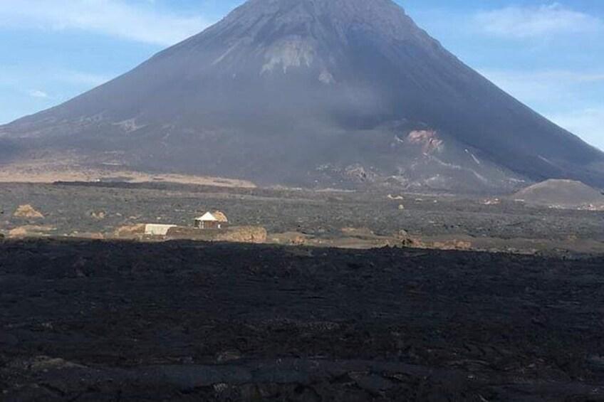 Show item 1 of 5. Viagem para o vulcão visitar plantação de café  conher um pouco das praia de mar