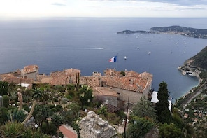 "Private Cruise Excursion ""Highlights of the French Riviera"" with ..."