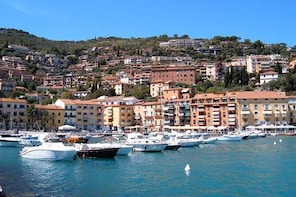 Private Transfer: Ciampino Airport (CIA) to Porto Santo Stefano and vice ve...