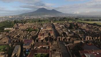 Private Pompeii Mt Vesuvius tour from Naples