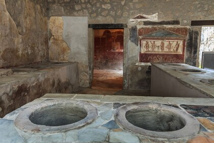 Pompei_interno di una casa_dreamstime_38200897.jpg