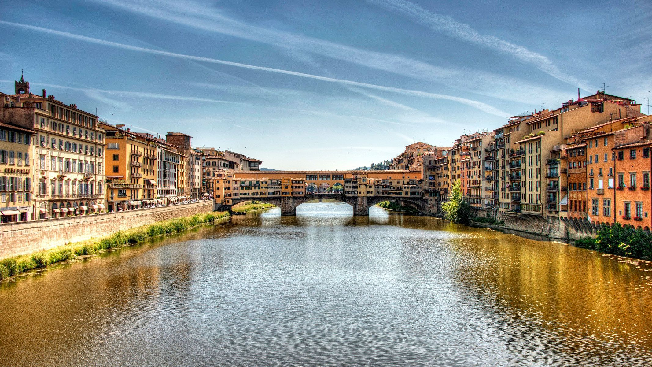 Panoramic View of the Ponte Vecchio and the Arno River in Florence
