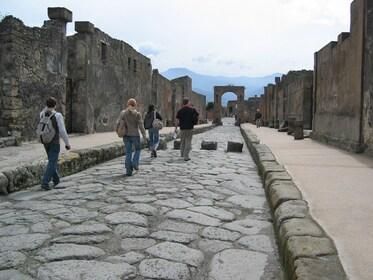 15 pompeii.jpg