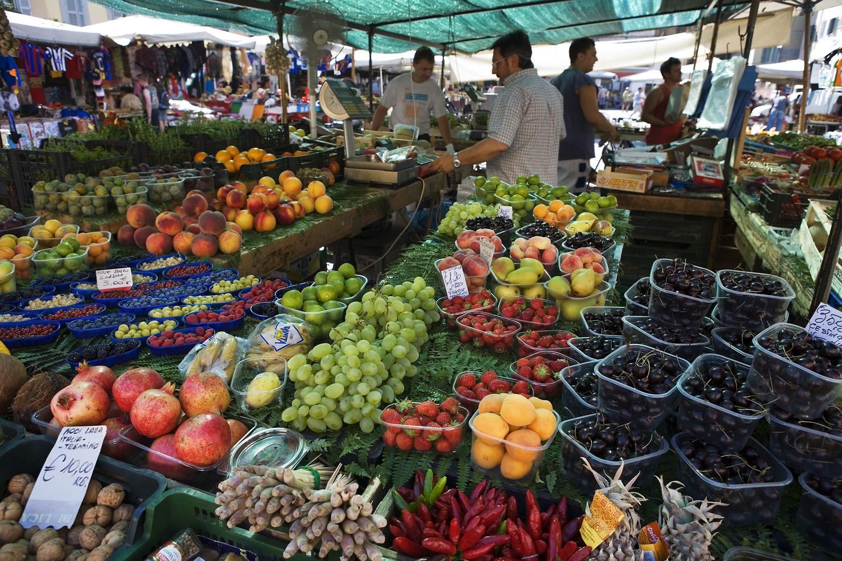 Mercato_di_Campo_di_Fiori_Open_Market,_Rome_-_1864.jpg