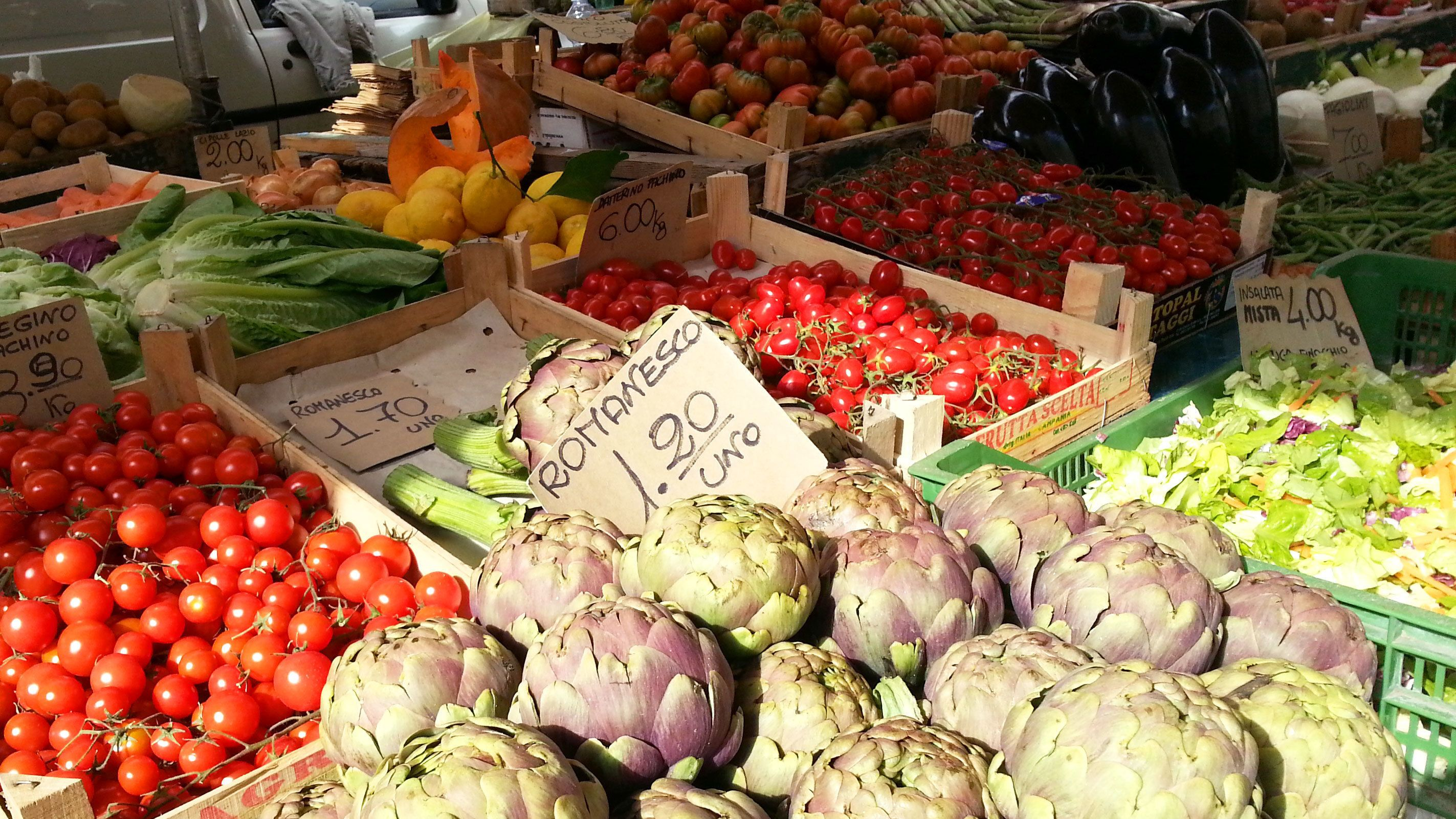 Closeup photo of fresh foods and vegetables in Italy's local markets.