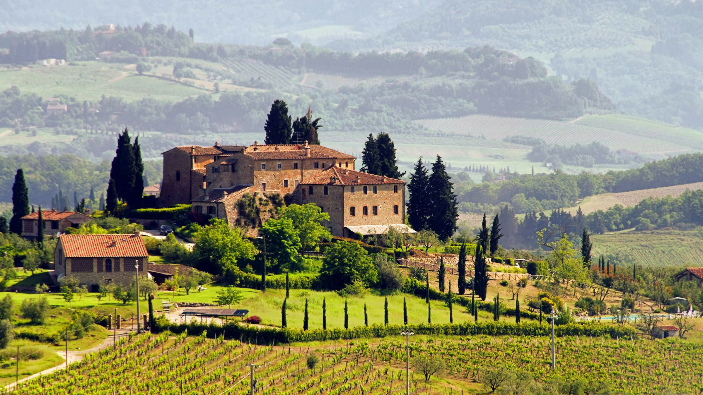 Tuscany Taster Tour: Round-trip from Rome with Lunch & Wine