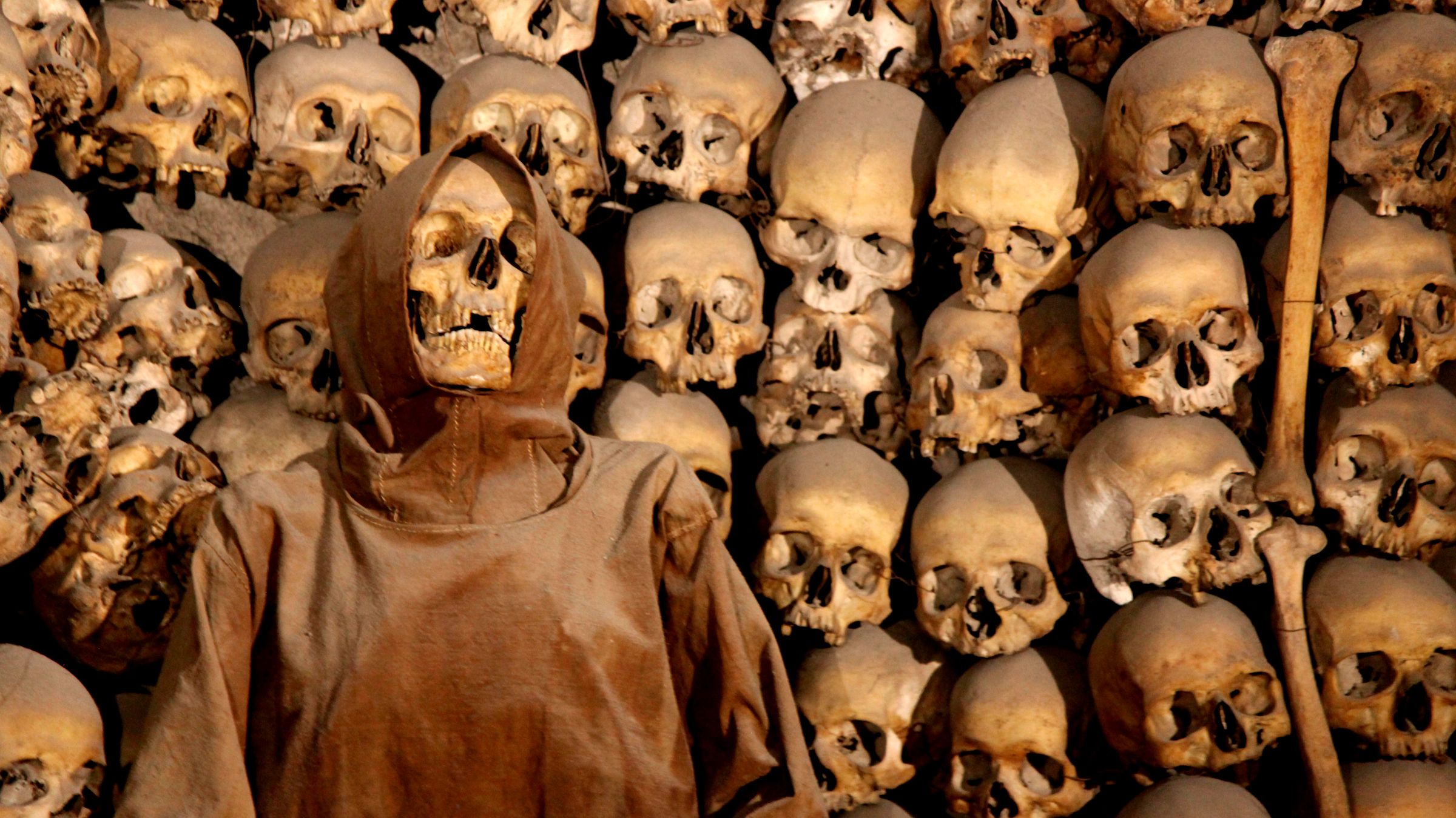 The Original Crypts & Catacombs Tour with Bone Chapel Visit