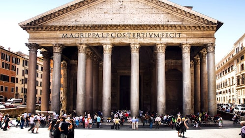 Day image of the Pantheon in Rome Italy