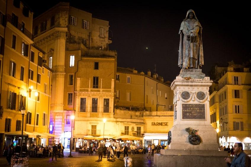 Charger l'élément 4 sur 10. Secrets & Mysteries of Rome by Night