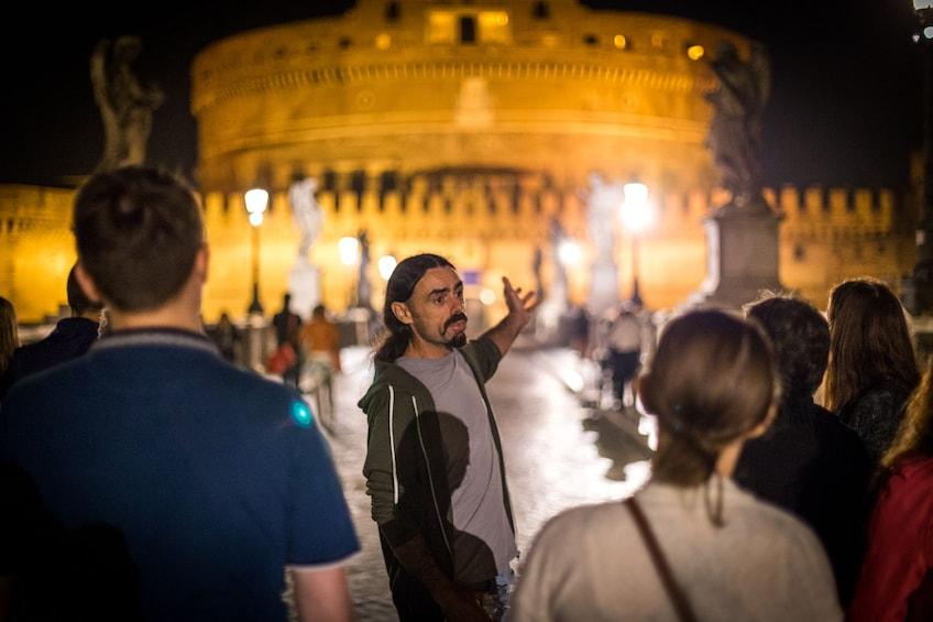 Charger l'élément 5 sur 10. Secrets & Mysteries of Rome by Night