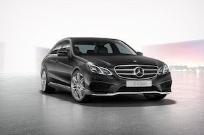 Airport Limousine Transfer: Malmö City to Kastrup Airport 1-7 Passengers