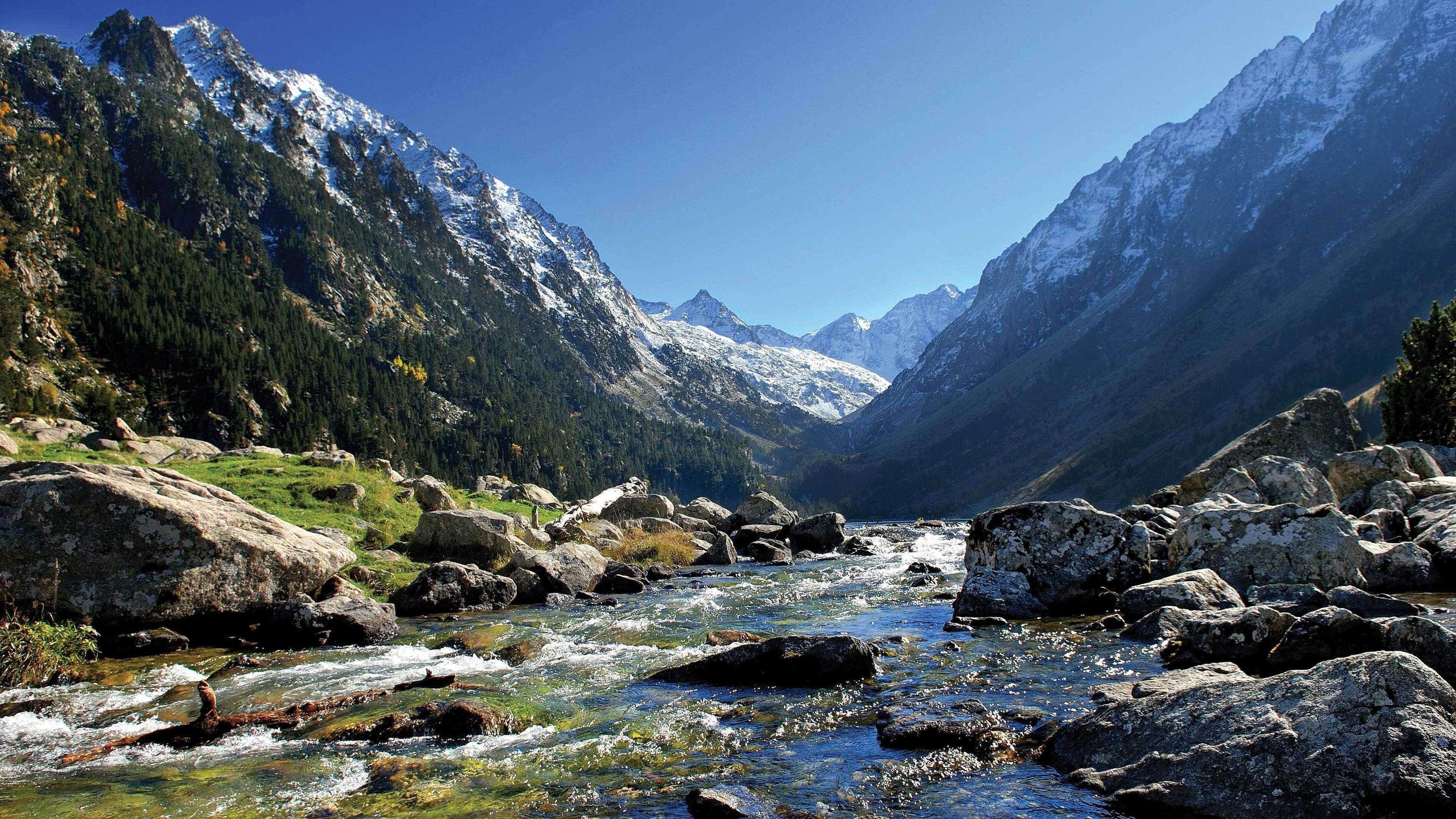 Tour in een kleine groep naar het middeleeuwse Vic en de Pyreneeën